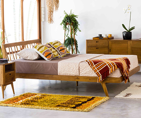 Fifties Platform Bed - Danish Honey