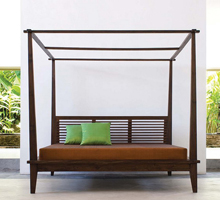 California Canopy Platform Bed